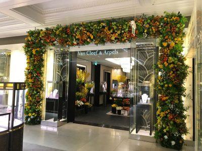 Julian Carter Design 5 metre arch built for Paul Thomas Flowers, at Van Cleef & Arpels, Harrods, London